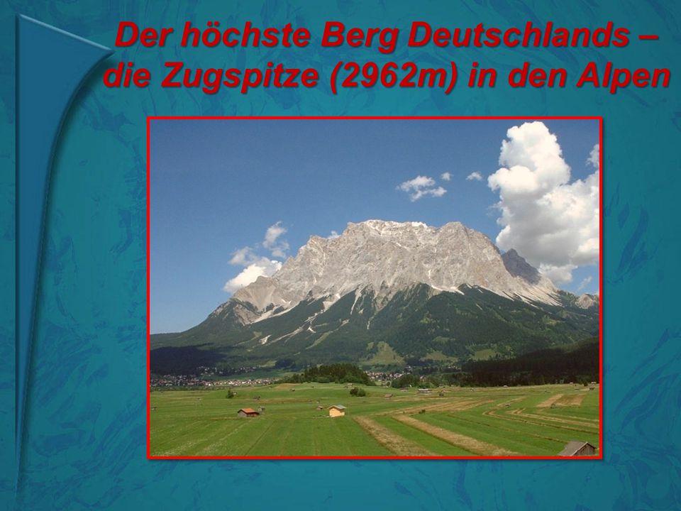 Der höchste Berg Deutschlands – die Zugspitze (2962m) in den Alpen