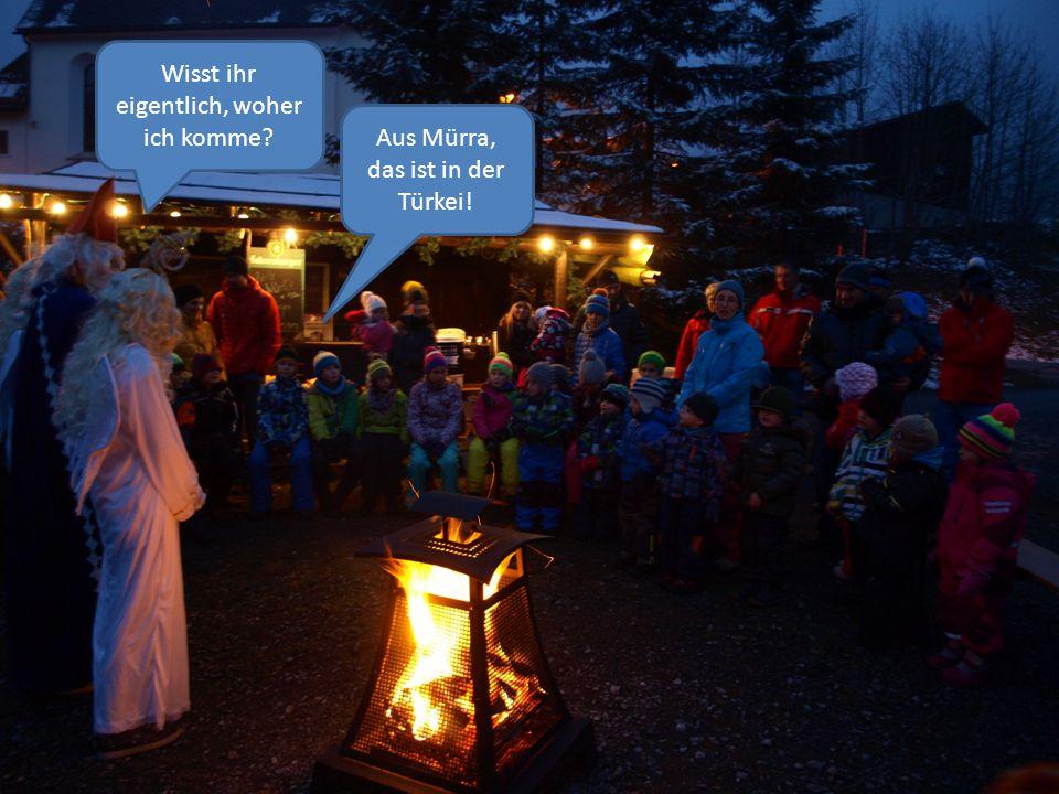 Natürlich haben auch die Schüler brav gelernt und singen für den heiligen Nikolaus