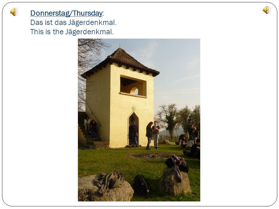 Donnerstag /Thursday : Ein Modell der Schützengraben im Lazarett A model of trenches