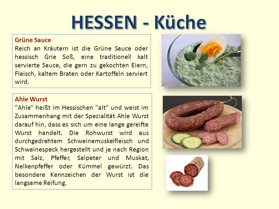 Grüne Sauce Reich an Kräutern ist die Grüne Sauce oder hessisch Grie Soß, eine traditionell kalt servierte Sauce, die gern zu gekochten Eiern, Fleisch, kaltem Braten oder Kartoffeln serviert wird.