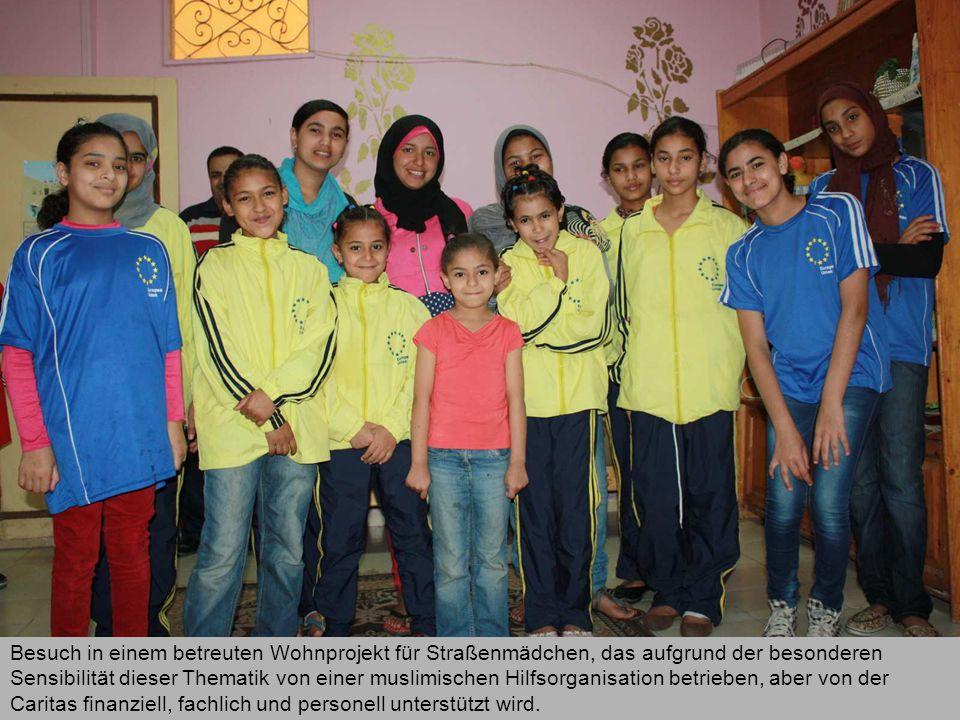 Besuch in einem betreuten Wohnprojekt für Straßenmädchen, das aufgrund der besonderen Sensibilität dieser Thematik von einer muslimischen Hilfsorganisation betrieben, aber von der Caritas finanziell, fachlich und personell unterstützt wird.