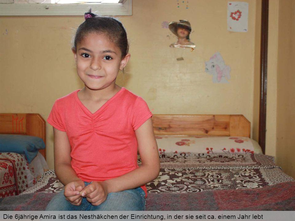 Die 6jährige Amira ist das Nesthäkchen der Einrichtung, in der sie seit ca. einem Jahr lebt