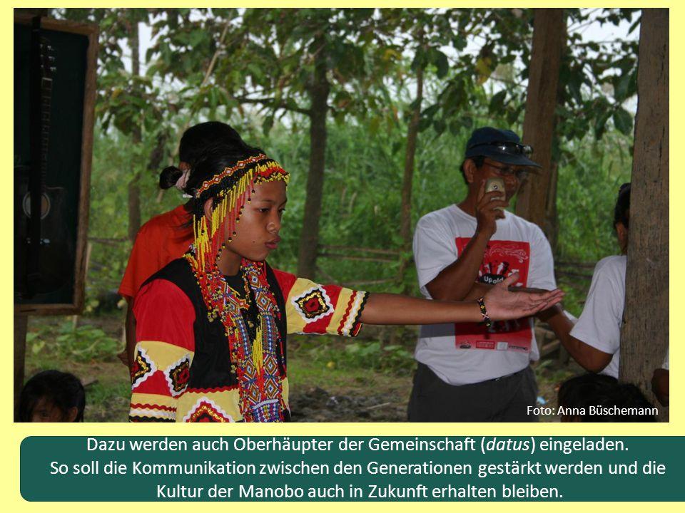 Dazu werden auch Oberhäupter der Gemeinschaft (datus) eingeladen. So soll die Kommunikation zwischen den Generationen gestärkt werden und die Kultur d