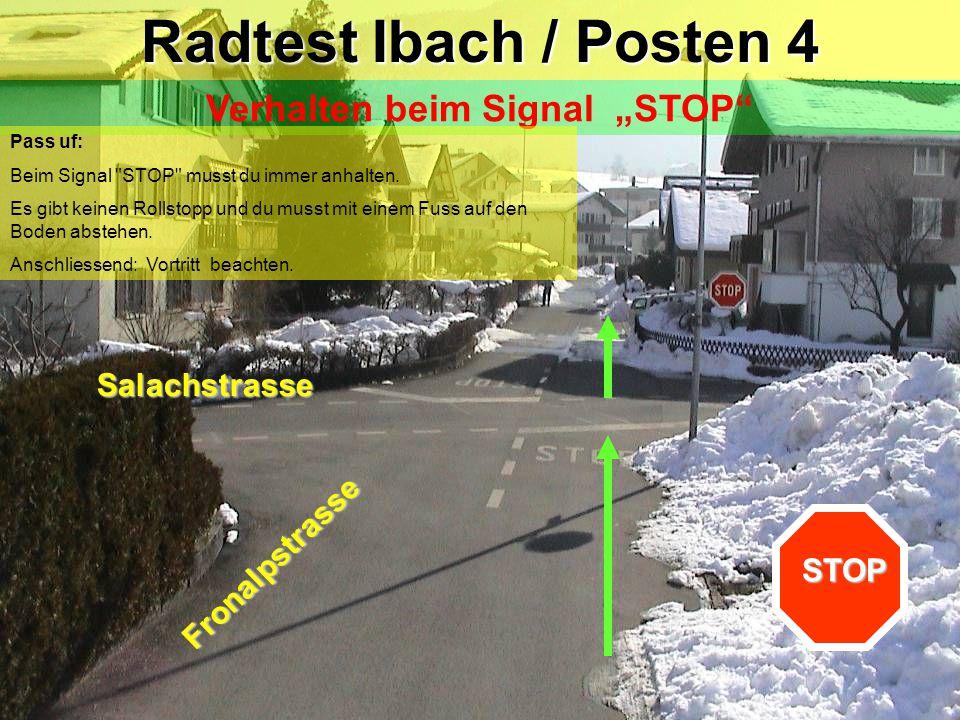 Feldweg Fronalpstrasse Radtest Ibach / Zwischenposten Linksabbiegen mit Einspurstrecke Blick zurück / Zeichengabe / Einspuren / Vortritt (Gegenverkehr) !