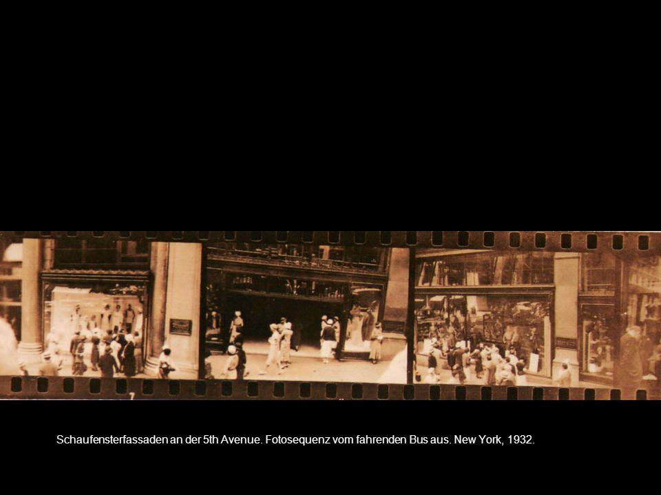 Schaufensterfassaden an der 5th Avenue. Fotosequenz vom fahrenden Bus aus. New York, 1932.
