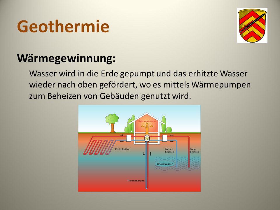 Geothermie Wärmegewinnung: Wasser wird in die Erde gepumpt und das erhitzte Wasser wieder nach oben gefördert, wo es mittels Wärmepumpen zum Beheizen