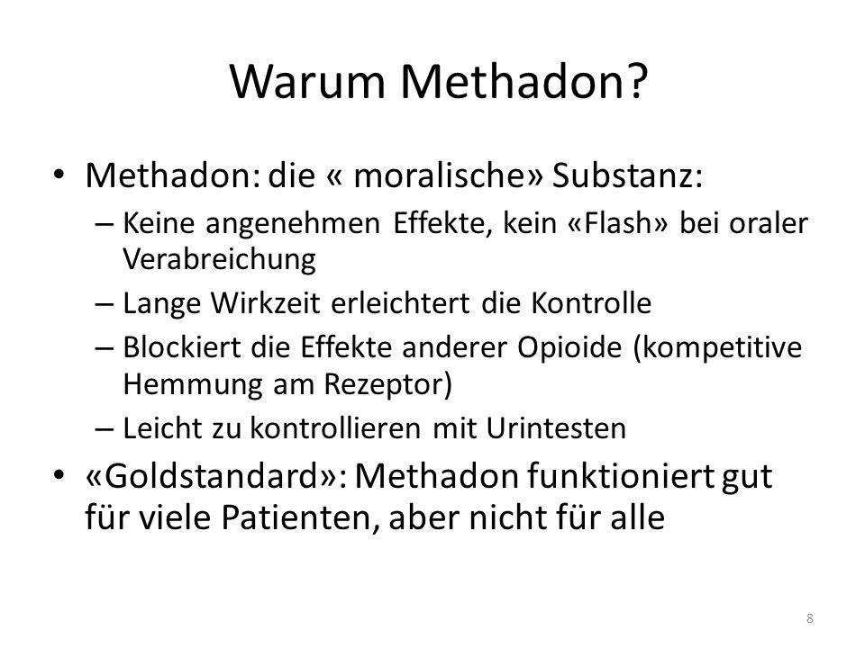 """SGB mit Methadon Nachteile Nur langsames Aufdosieren möglich Hohe interindividuelle Variabilität des Metabolismus (genetischer Polymorphismus) """"Störanfälligkeit des Metabolismus, Interaktionen (CYP450) Racemat (R-,S-)Methadon: -(R-)Methadon für gewünschte Wirkung verantwortlich, -(S-)-Methadon für unerwünschte Wirkung -> QTc Verlängerung durch Blockierung der hERG K+gated Kanäle (gefährlich bei long QTc Syndrom, additiver Effekt bei vielen anderen Medikamenten -> Torsade de pointes) Störung der Hypophysen-Gonaden-Achse"""