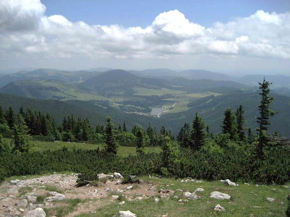 Teichalm und Sommeralm bilden eines der größten zusammen- hängenden Almgebiete der Alpen, liegt rund 30 km nördlich von Graz und ist Teil des Naturparks Almen- land.