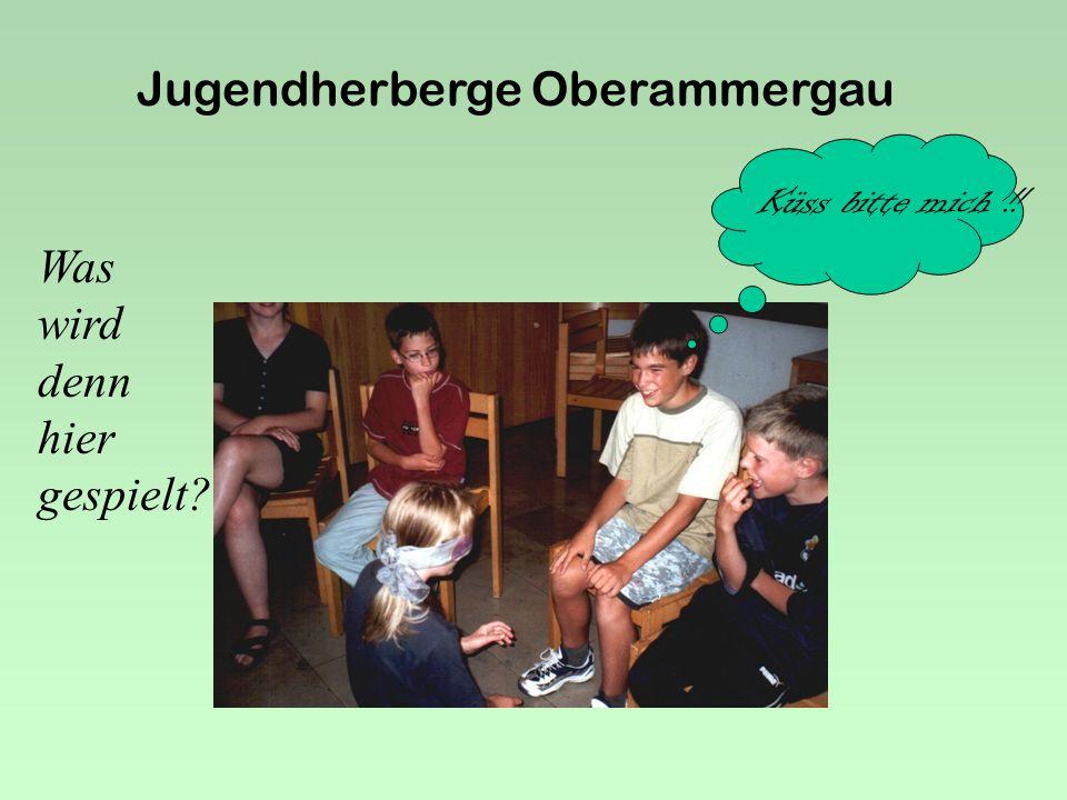 Jugendherberge Oberammergau Am Abend wird gegrillt....die Buben kennen das Ende des Feuers !