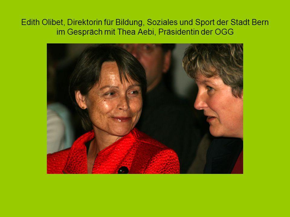 Edith Olibet, Direktorin für Bildung, Soziales und Sport der Stadt Bern im Gespräch mit Thea Aebi, Präsidentin der OGG