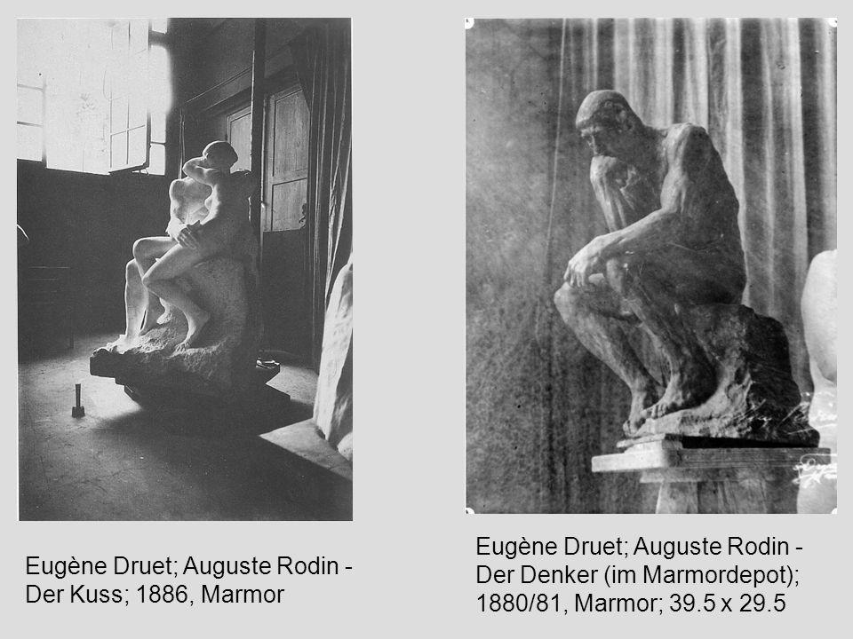 Eugène Druet; Auguste Rodin - Der Kuss; 1886, Marmor Eugène Druet; Auguste Rodin - Der Denker (im Marmordepot); 1880/81, Marmor; 39.5 x 29.5