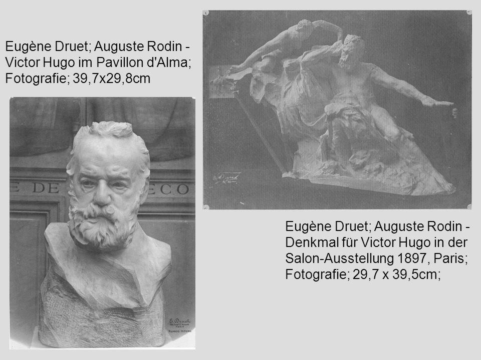 Eugène Druet; Auguste Rodin - Victor Hugo im Pavillon d'Alma; Fotografie; 39,7x29,8cm Eugène Druet; Auguste Rodin - Denkmal für Victor Hugo in der Sal