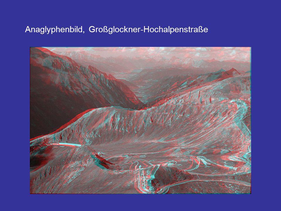 Die Einzelstreifen werden anschließend über statistische Anpassungen der Helligkeiten und Kontraste radiometrisch ausgeglichen und zu einem homogenen Bildmosaik zusammengesetzt.