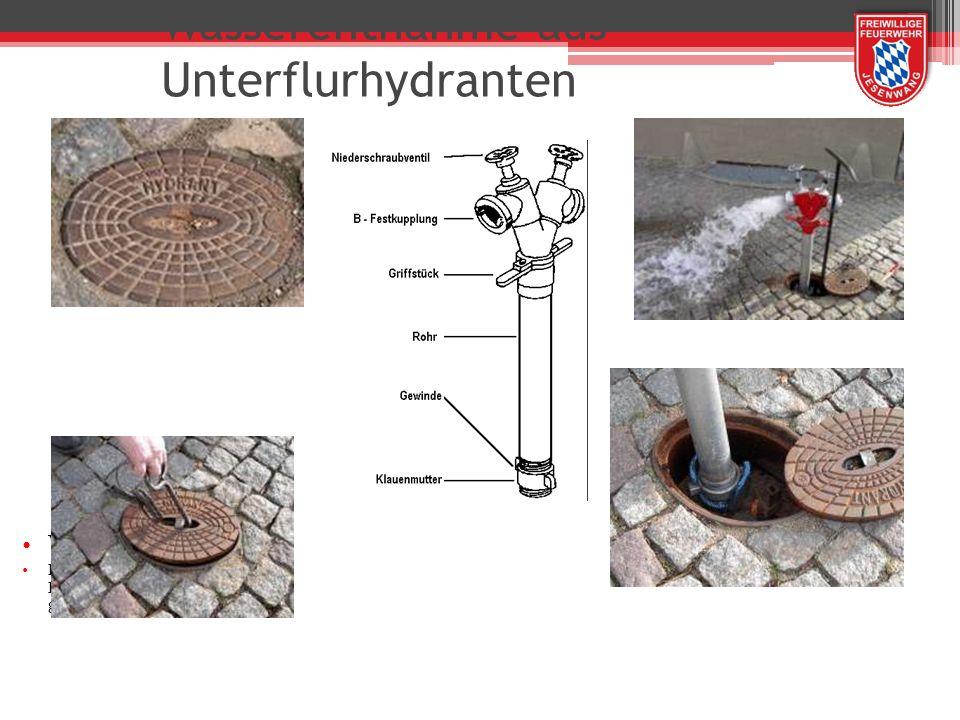 Wasserentnahme aus Unterflurhydranten Wichtig: Die Klauenmutter muss vor der Benutzung ganz nach unten gedreht sein !!