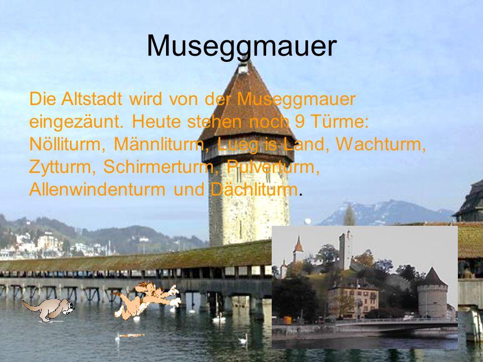 Altstadt Nun befinden wir uns in der Altstadt von Luzern. Besonders sehenswert sind die alten Plätze wie Weinmarkt, Kornmarkt und Mühlenplatz.