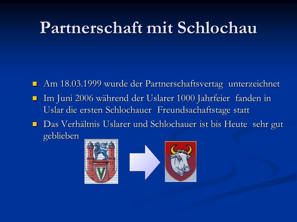 Partnerschaft mit Schlochau Am 18.03.1999 wurde der Partnerschaftsvertag unterzeichnet Am 18.03.1999 wurde der Partnerschaftsvertag unterzeichnet Im Juni 2006 während der Uslarer 1000 Jahrfeier fanden in Uslar die ersten Schlochauer Freundsachaftstage statt Im Juni 2006 während der Uslarer 1000 Jahrfeier fanden in Uslar die ersten Schlochauer Freundsachaftstage statt Das Verhältnis Uslarer und Schlochauer ist bis Heute sehr gut geblieben Das Verhältnis Uslarer und Schlochauer ist bis Heute sehr gut geblieben