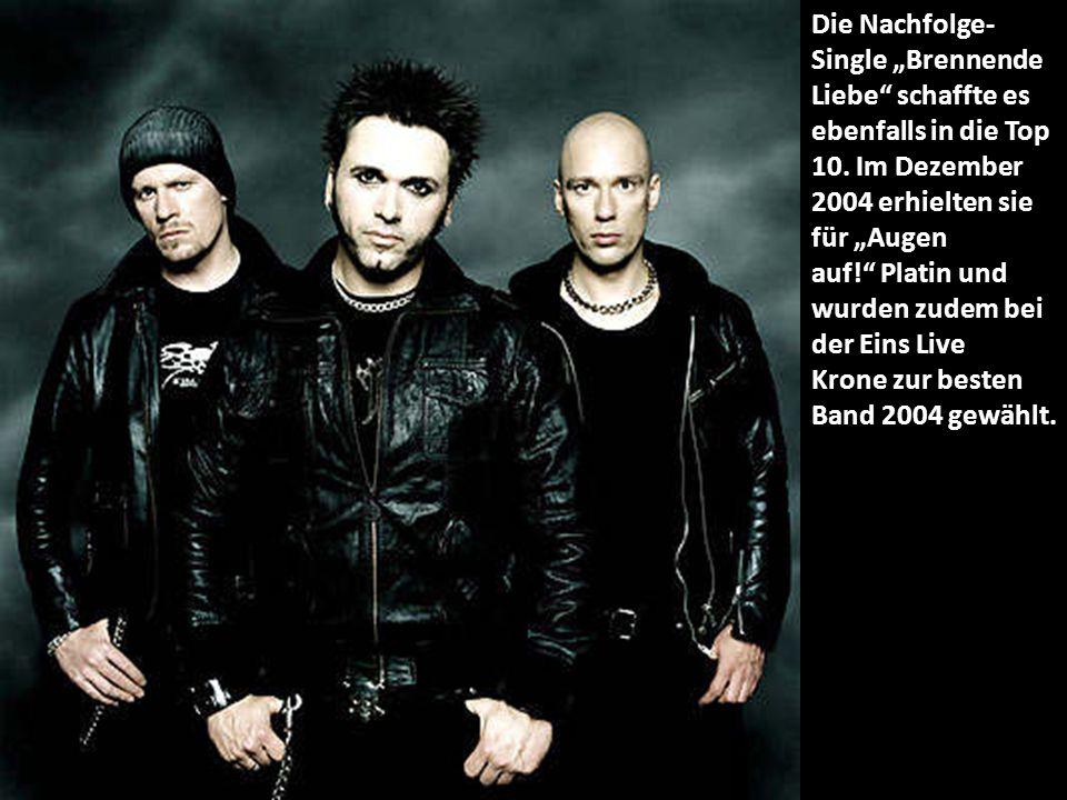 """Die Nachfolge- Single """"Brennende Liebe schaffte es ebenfalls in die Top 10."""