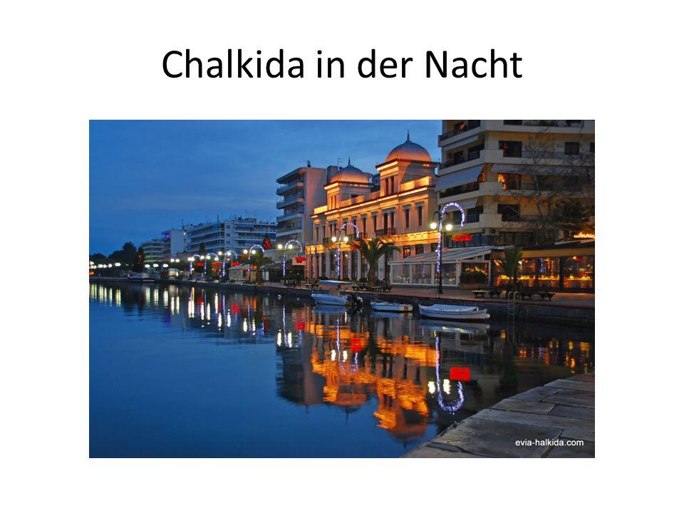Chalkida in der Nacht