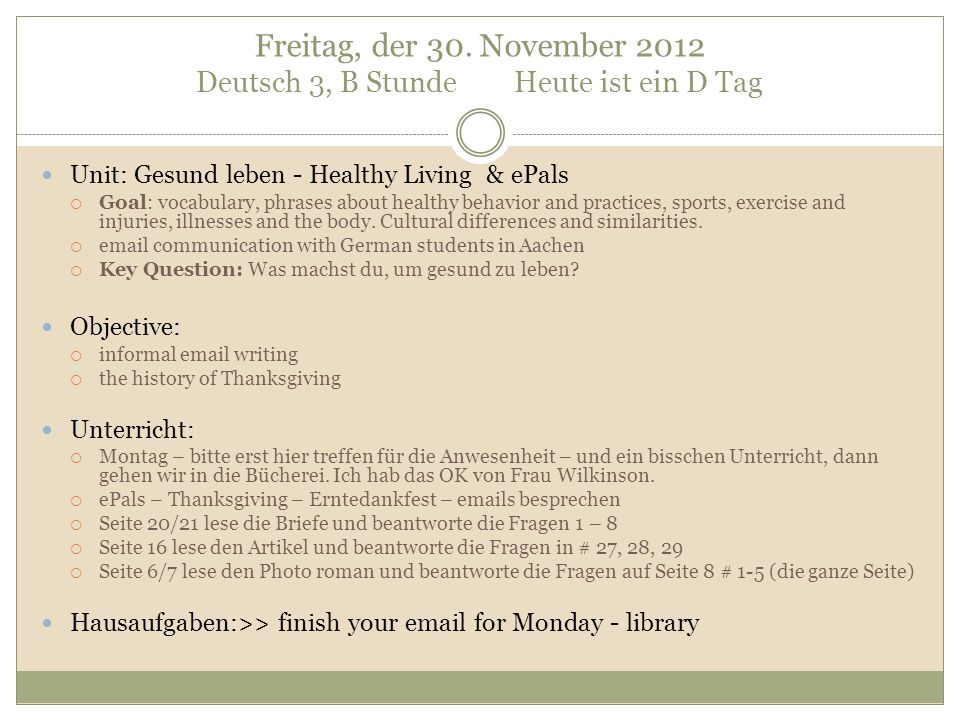 translate: We celebrate Thanksgiving on the third Thursday in November.