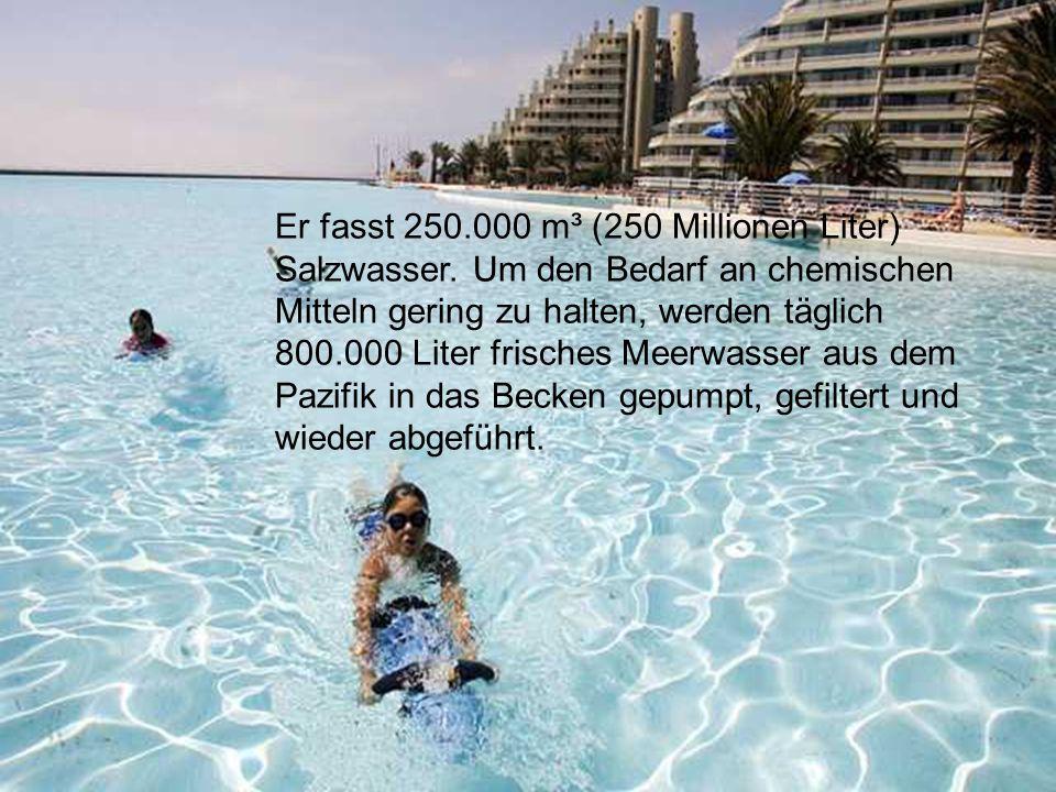 Das San Alfonso Schwimmbecken ist 1013 Meter lang und an der tiefsten Stelle 3,5 Meter tief.