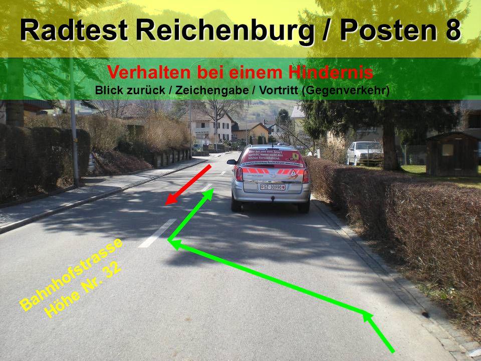 Bahnhofstrasse Höhe Nr. 32 Radtest Reichenburg / Posten 8 Verhalten bei einem Hindernis Blick zurück / Zeichengabe / Vortritt (Gegenverkehr)