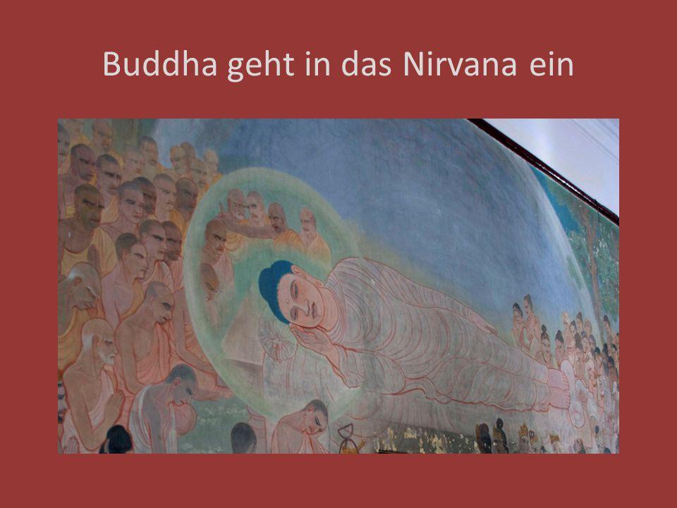 Buddha geht in das Nirvana ein
