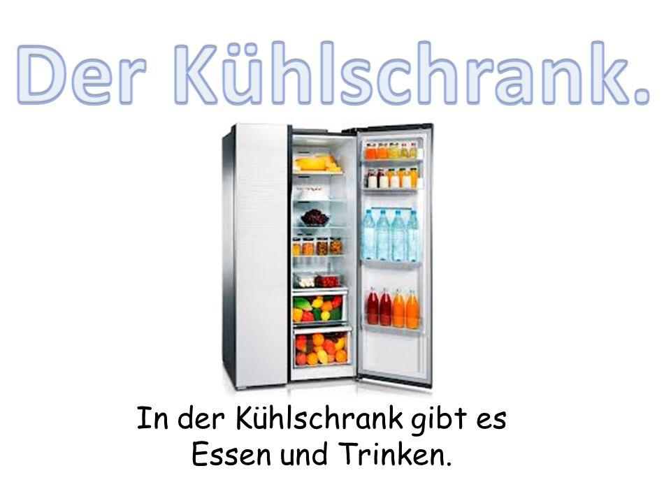 In der Kühlschrank gibt es Essen und Trinken.