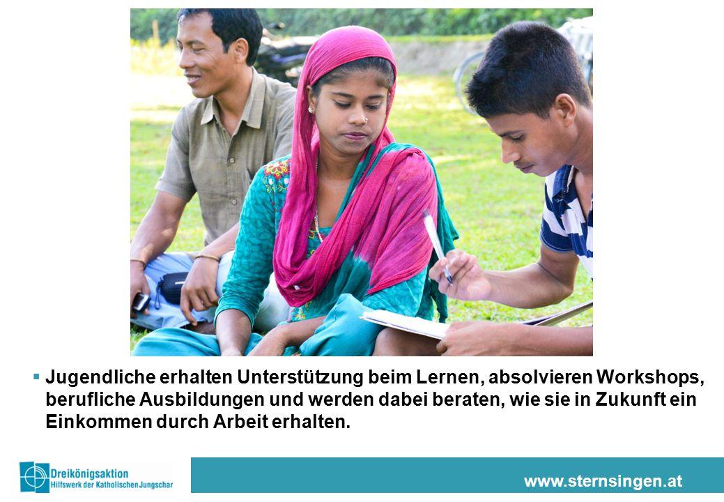 www.sternsingen.at  Jugendliche erhalten Unterstützung beim Lernen, absolvieren Workshops, berufliche Ausbildungen und werden dabei beraten, wie sie in Zukunft ein Einkommen durch Arbeit erhalten.