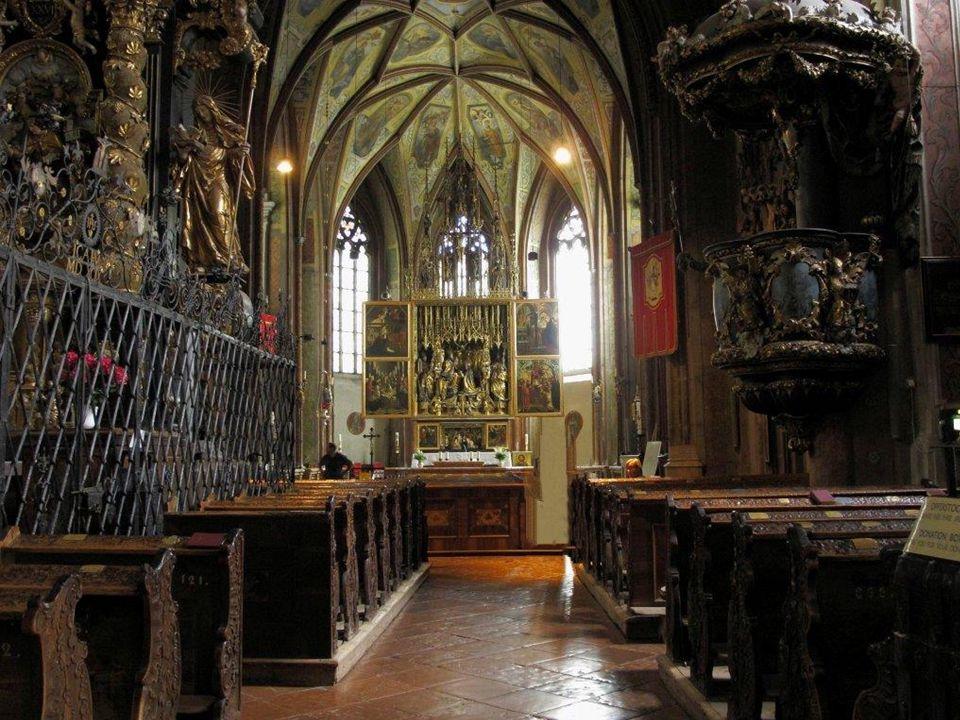 Das Gotteshaus gewann durch die Jahrhunderte vor allem durch die künstlerische Einrichtung an Bedeutung.