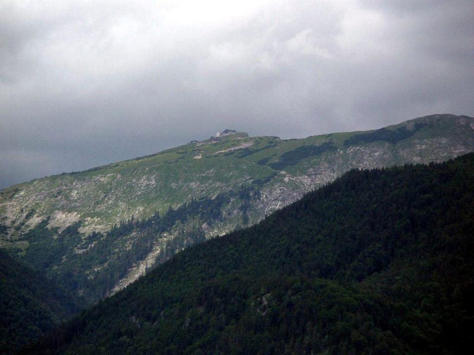 DieSchafbergbahn ist die steilste Dampf-Zahnradbahn Österreichs und führt seit 1893 von St.