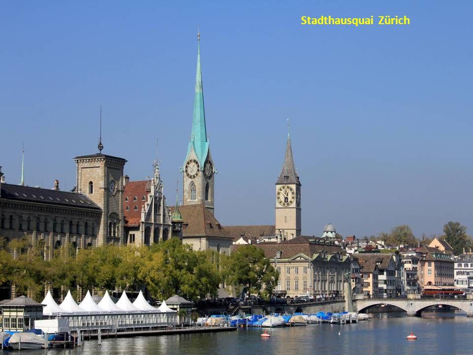 Zürich mit Großmünster-Wasserkirche
