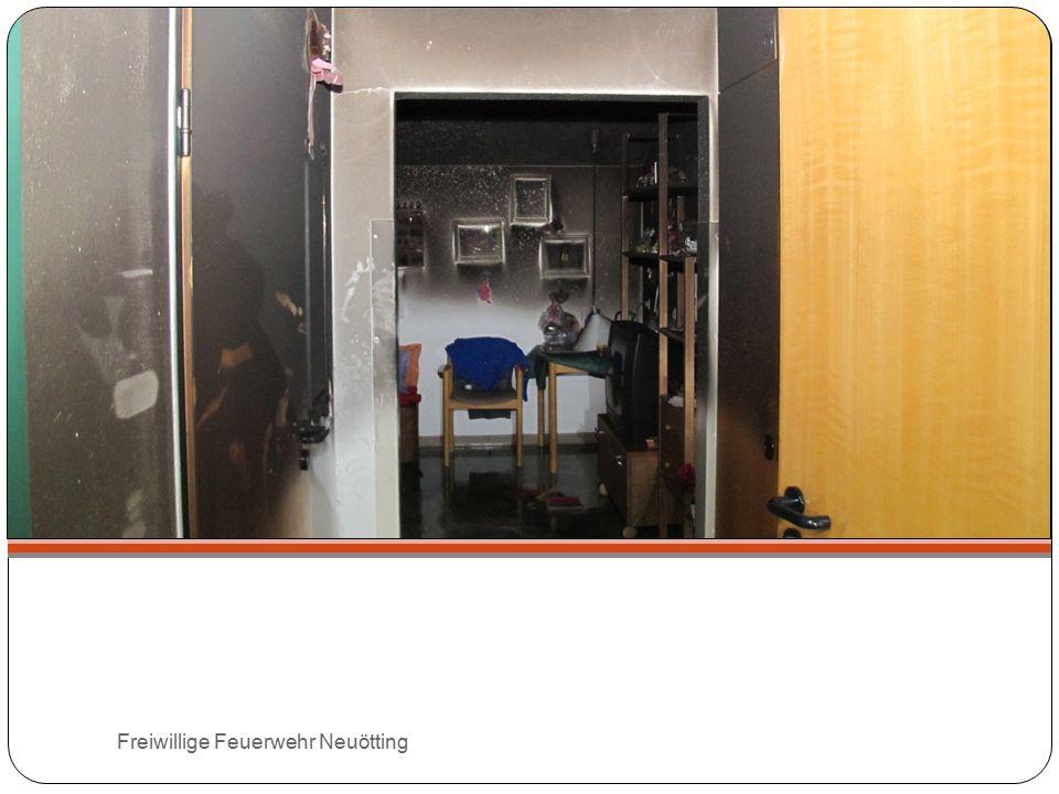 Die nächsten Termine 18.10.2014 15.11.2014 Anmeldung über info@feuerwehr-neuoetting.deinfo@feuerwehr-neuoetting.de Oder 0171 / 38 12 14 0 Freiwillige Feuerwehr Neuötting