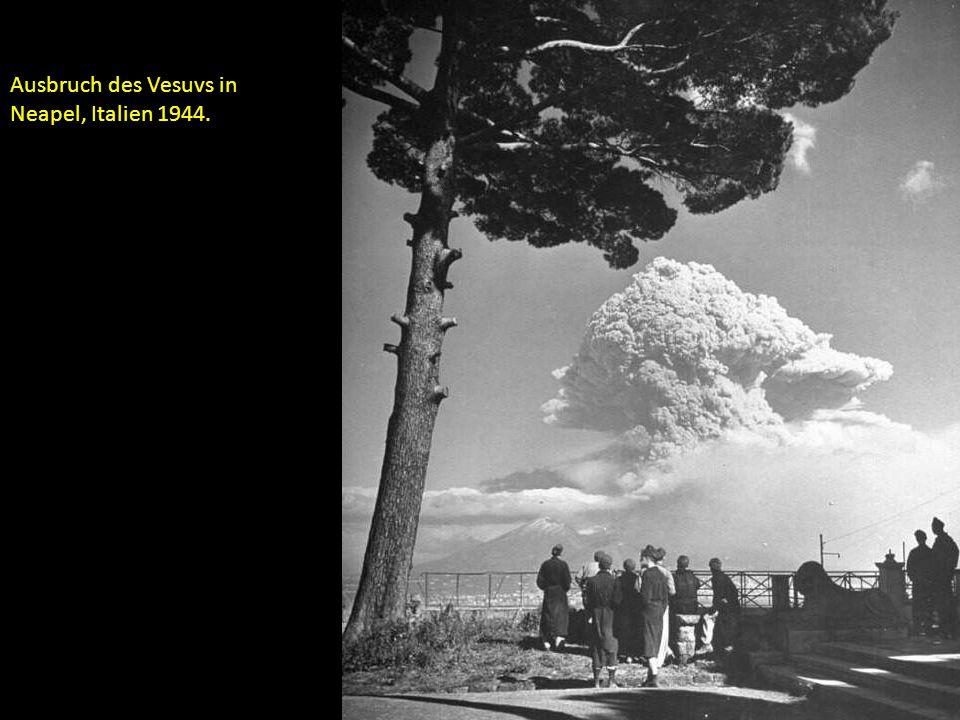 Ausbruch des Vesuvs in Neapel, Italien 1944.