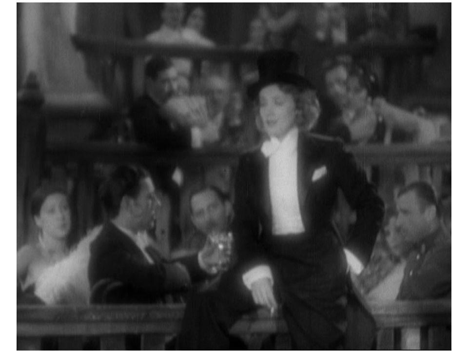 Beispielhaft für Paramount: die Filme von Josef von Sternberg in den Dreißigern, die alles haben, was die Klassiker von Paramount auszeichnet: eine artifizielle Welt: elegante Geschichte / pointierte Dialoge / kontrastreiche Bilder / viel Zwielicht / schnelle Rhythmen / glamouröse Ausstattung / kunstvolle Kostüme / ein Spiel um Masken und den schönen Sinn des Scheins