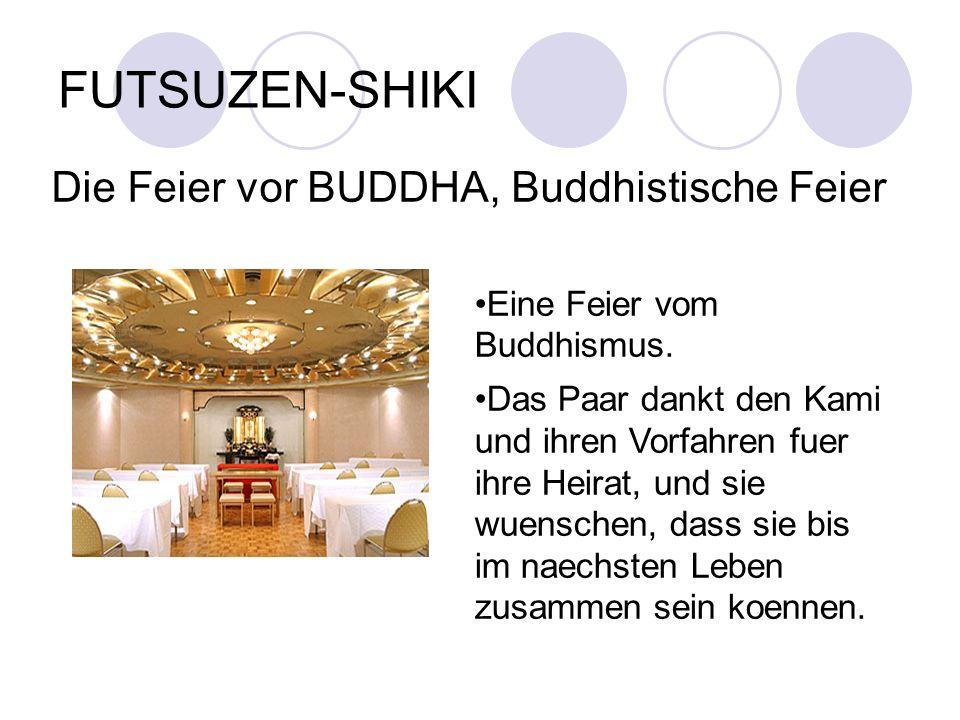 FUTSUZEN-SHIKI Die Feier vor BUDDHA, Buddhistische Feier Eine Feier vom Buddhismus. Das Paar dankt den Kami und ihren Vorfahren fuer ihre Heirat, und