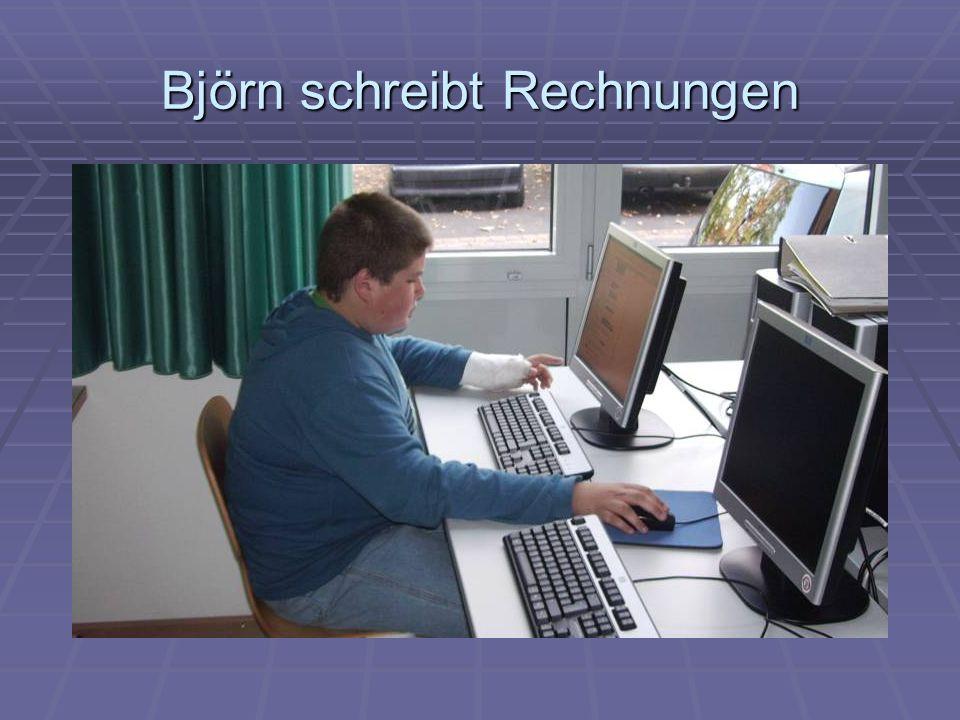 Björn schreibt Rechnungen