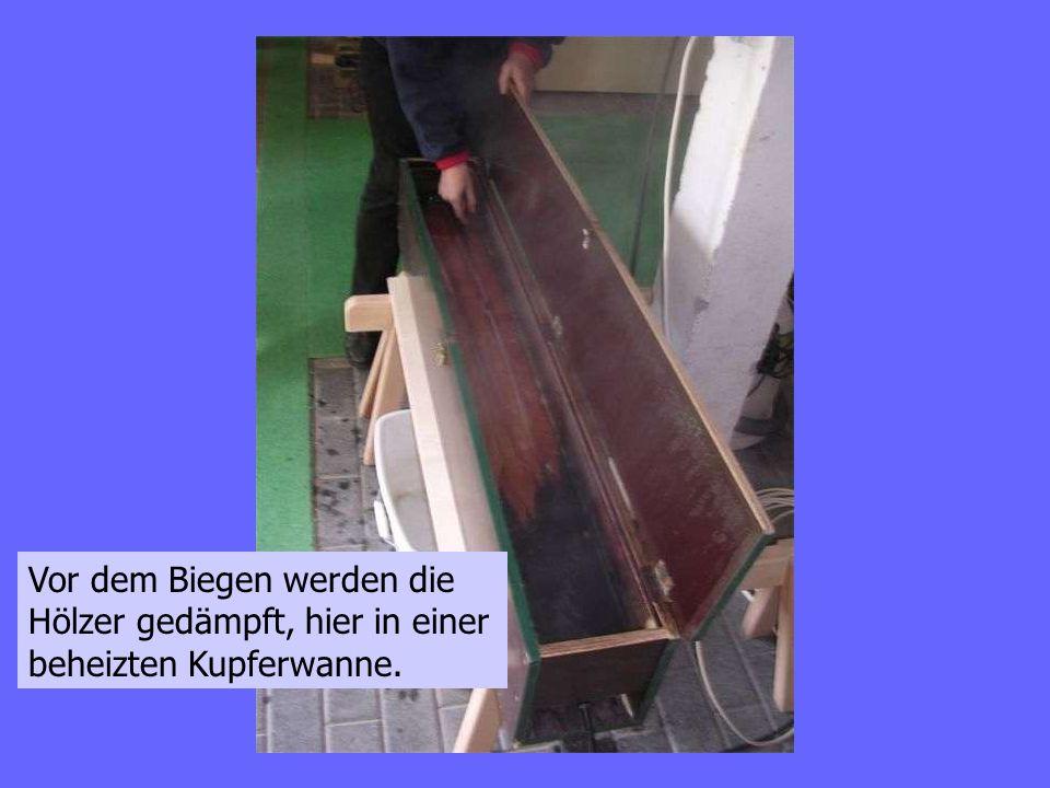 Die Metallbänder verhindern, dass im Holz eine Zugzone entsteht.