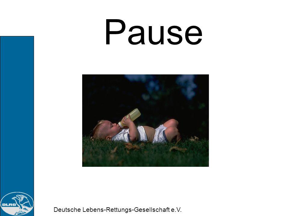 Deutsche Lebens-Rettungs-Gesellschaft e.V. Sanitätsausbildung A Halswirbelsäule (HWS) Maßnahmen: Ständige Kontrolle der Vitalfunktionen Keine unnötige