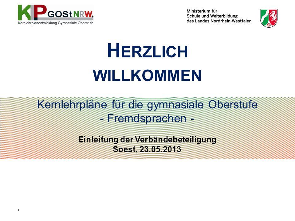 22 Unterrichtsvorgaben Lehrpläne (vor 2004): Inputsteuerung, Stofforientierung (LP GOSt 1999) Kernlehrpläne (seit 2004): ergebnisorientierte Steuerung, z.T.