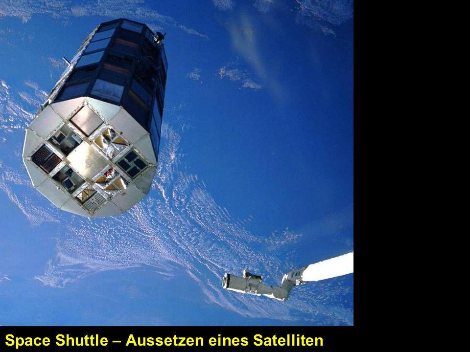 Space Shuttle – Aussetzen eines Satelliten