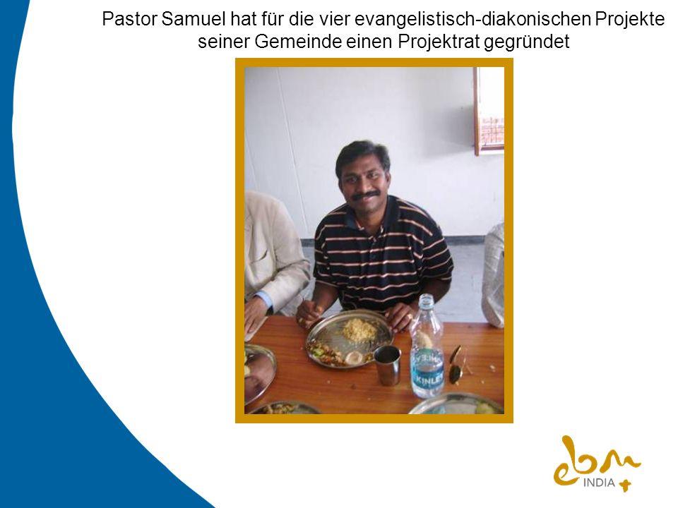 Pastor Samuel hat für die vier evangelistisch-diakonischen Projekte seiner Gemeinde einen Projektrat gegründet