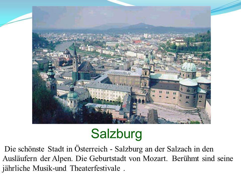 Salzburg Die schönste Stadt in Österreich - Salzburg an der Salzach in den Ausläufern der Alpen. Die Geburtstadt von Mozart. Berühmt sind seine jährli