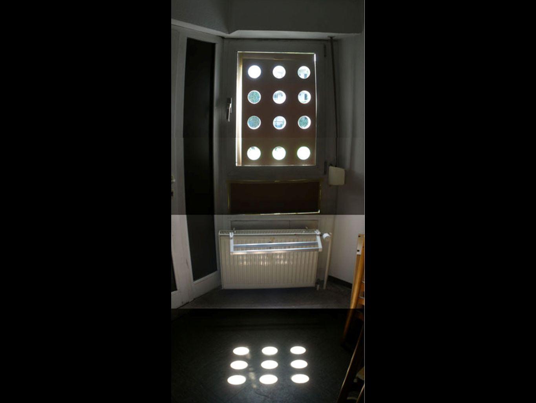 Verschattungselement Ziel: 0-100 % Verschattung interessantes Schattenspiel Lösungsansatz: Fassade mit Lochung Verschiedene Elemente Lamellen mit Lochung Öffnungen mechanisch verschließen Kamerablende
