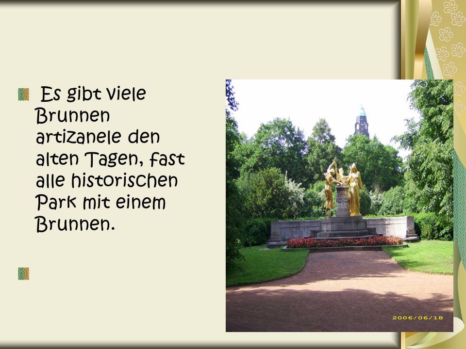 Es gibt viele Brunnen artizanele den alten Tagen, fast alle historischen Park mit einem Brunnen.