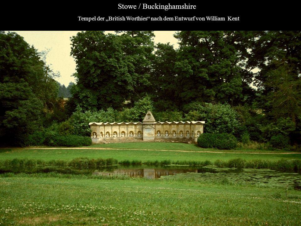 Tempel der British Worthies nach dem Entwurf von William Kent Stowe / Buckinghamshire
