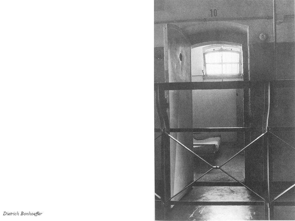 Dietrich Bonhoeffer – Gestapogefängnis Nach dem Zossener Aktenfunden im September wird Bonhoeffer im Oktober 1944 ins Gestapohauptgefängnis verlegt.