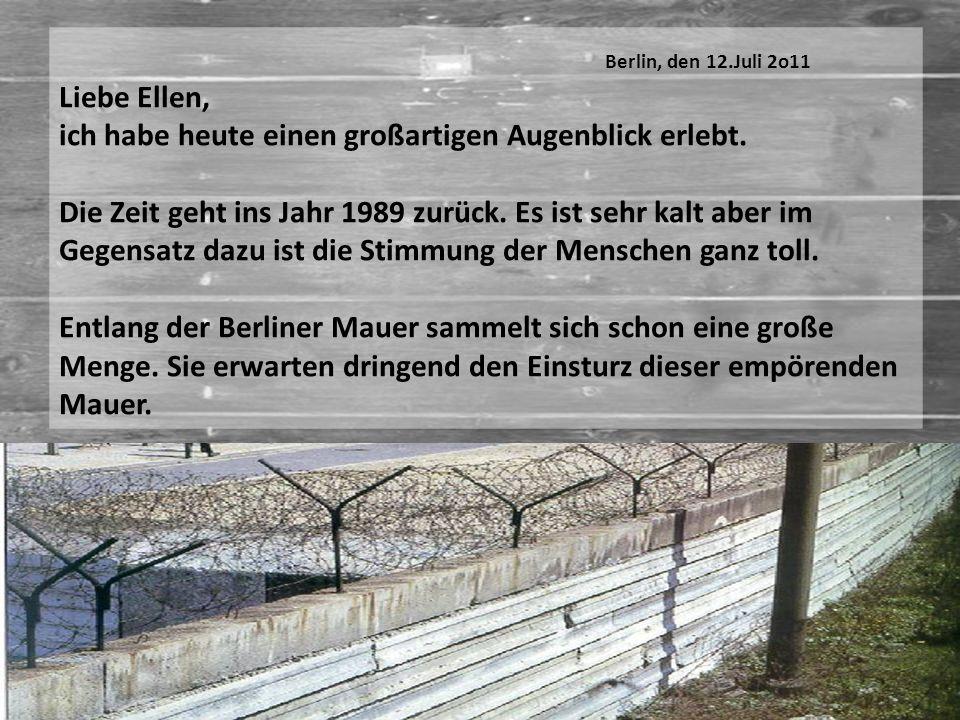 Endlich stürzt die Berliner Mauer in einem großen Krach um.
