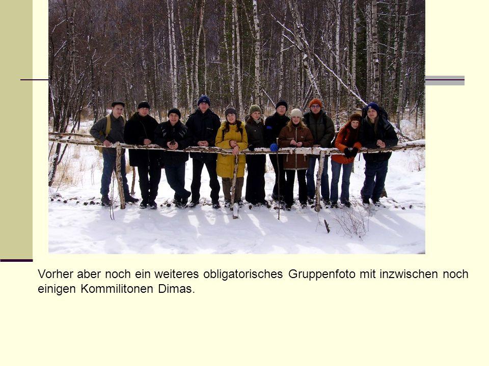 Vorher aber noch ein weiteres obligatorisches Gruppenfoto mit inzwischen noch einigen Kommilitonen Dimas.