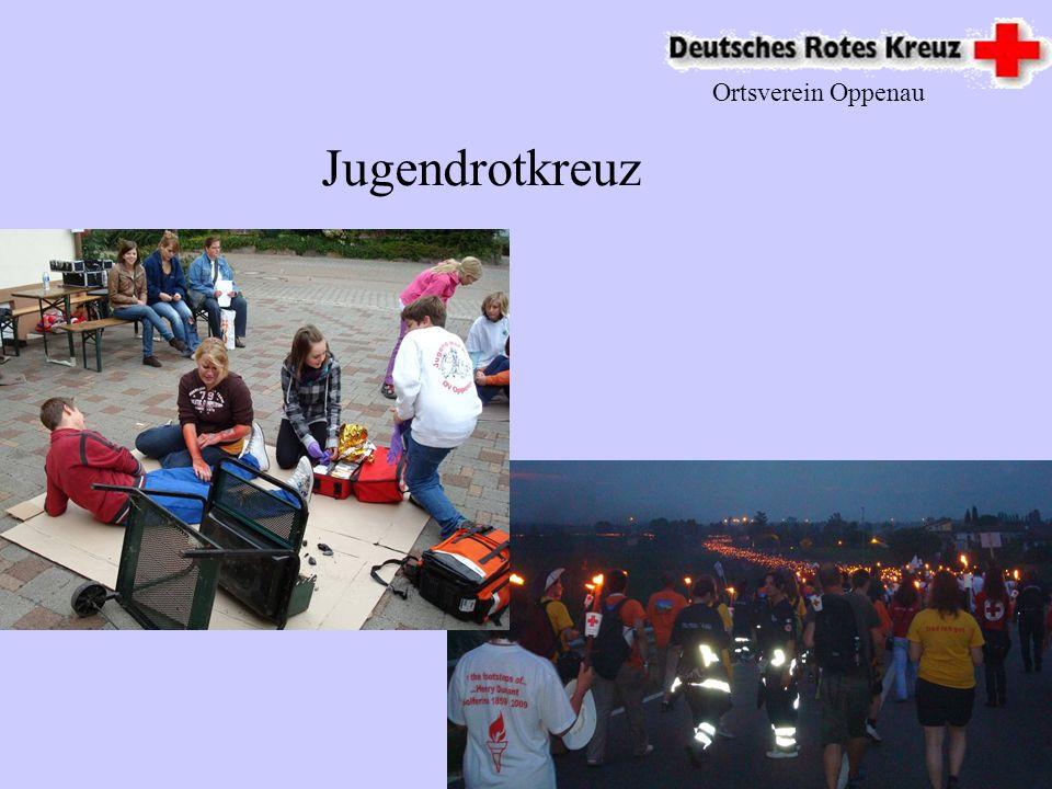 Ortsverein Oppenau Insgesamt 6 Tätige Ausbilder 2009 hatte das DRK Ortsverein Oppenau eine Vielzahl von EH Kursen mit über 250 Ausgebildeten Mitbürger Breitenausbildung
