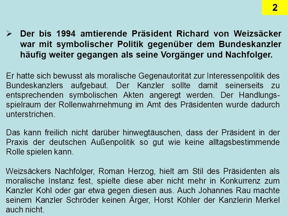 13 Schröder agierte gern als außenpolitischer Türöffner für die Wirtschaft Bei seiner Chinareise im Dezember 2003 nahm er z.